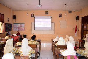 Berbasis Teknologi Informasi